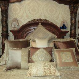 Декор спальни п. Мехзавод. Балдахин, подушки в спальню. Классика. Шторуз.ру