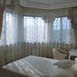 Спальня в Царевщине. Салон штор Garden rose. Спальня. Пошив и фото штор в интерьере 2016