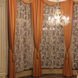 Загородный дом. Частный дизайнер по шторам Илонина Ирина. Пошив и фото штор в интерьере 2016