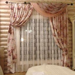 Гостиная в деревянном доме. Г. Краснодар. . Салон штор Уют-к. Гостиная. Пошив и фото штор в интерьере 2016