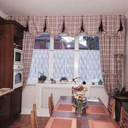 Шторы на кухню в частном доме. г. Краснодар. Салон штор Уют-к. Пошив и фото штор в интерьере 2016