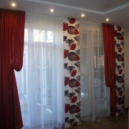 Гостиная. Квартира, г. Геленджик. . Салон штор Уют-к. Пошив и фото штор в интерьере 2016