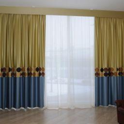 Комбинированные шторы в гостиную и столовую. г. Санкт-Петербург. . Салон штор Уют-к. Пошив и фото штор в интерьере 2016