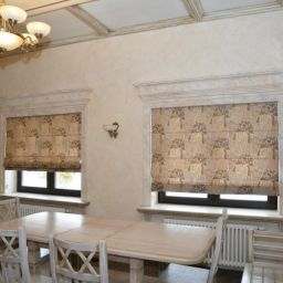 Римские шторы в предбанное помещение в доме. Дизайнер в салоне штор Куц Елена. Прочее. Пошив и фото штор в интерьере 2016