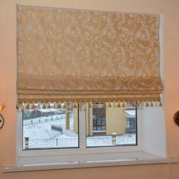 Римские шторы в доме на первом этаже (холл) . Дизайнер в салоне штор Куц Елена. Холл, прихожая. Пошив и фото штор в интерьере 2016