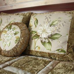 Декоративные подушки и покрывала. Подушки, покрывала в спальню. Шторуз.ру