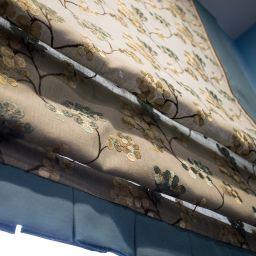 Римская штора с вышивкой . Салон штор Gard. Прочее. Пошив и фото штор в интерьере 2016