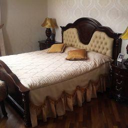 Спальня мужская и женская в КП Владычино. Шторы, подушки, покрывала в спальню. Шторуз.ру