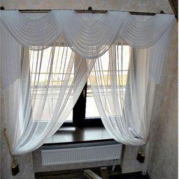 Лестница в загородном доме. Частный дизайнер по шторам Левченко Лилия. Холл, прихожая. Пошив и фото штор в интерьере 2016