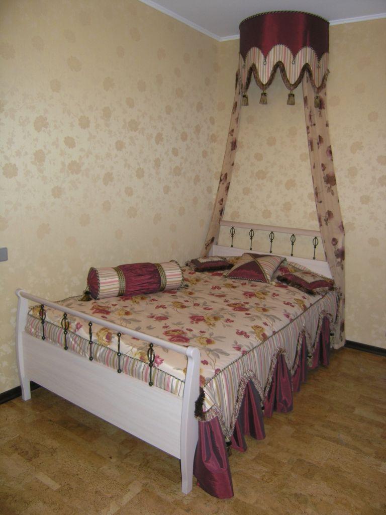 Покрывала, подушки, балдахин, шторы. Детская. Квартира в Троицке. Шторуз.ру