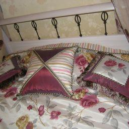 Детская. Квартира в Троицке. Покрывала, подушки, балдахин, шторы в детскую. Классика. Шторуз.ру