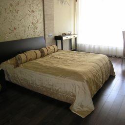 Спальня. Квартира в Москве. Частный дизайнер по шторам shelk2011@mail.ru. Спальня. Пошив и фото штор в интерьере 2016