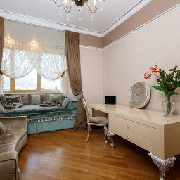 Спальня. Квартира в Одинцово. Частный дизайнер по шторам shelk2011@mail.ru. Спальня. Пошив и фото штор в интерьере 2016