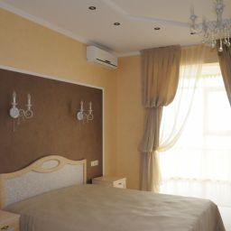 Спальня на Щукинской. Частный дизайнер по шторам Милякова Ирина. Спальня. Пошив и фото штор в интерьере 2016