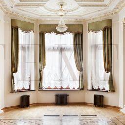 Оформление музыкального зала. Настенный карниз в гостиную. Шторуз.ру