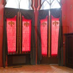 Рыцарский зал . Настенный карниз в гостиную. Шторуз.ру