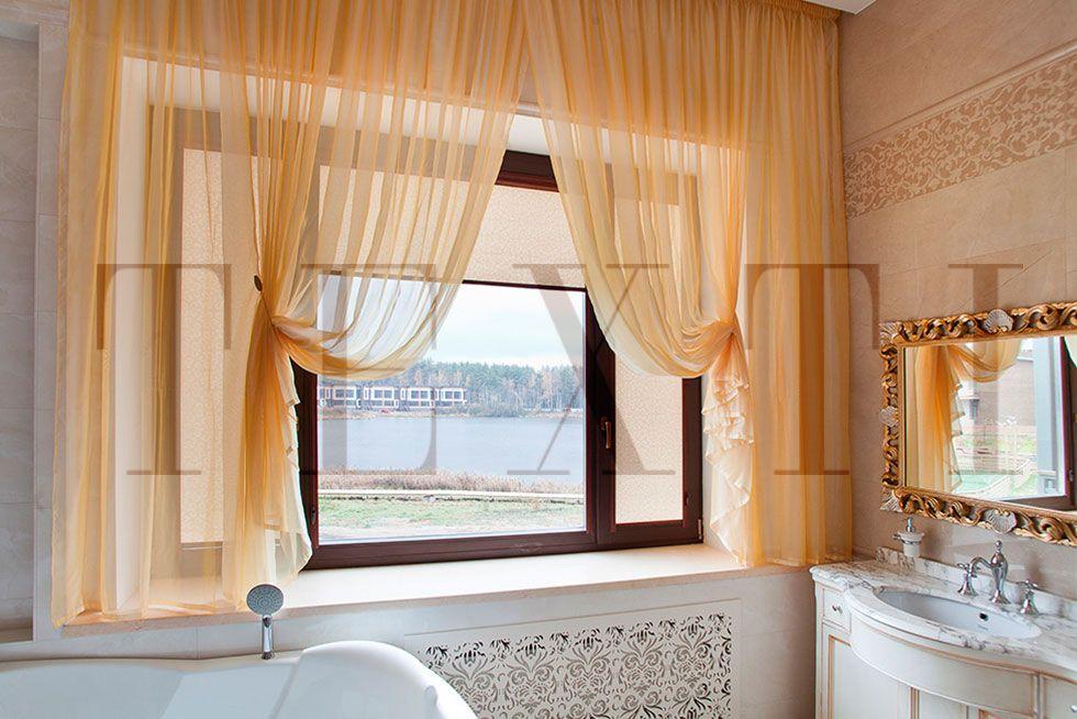Золотая ванная. Рулонные шторы на шторной ленте и со складками в ручную в спальню. Классика. Шторуз.ру