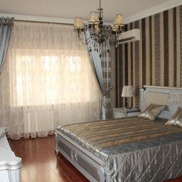 спальня г. Моздок. Салон штор ВиВитекс. Спальня. Пошив и фото штор в интерьере 2016