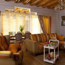 Гостиная. Салон штор Корфил декор. Гостиная. Пошив и фото штор в интерьере 2016