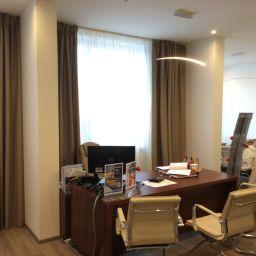 Шторы во временный офис продаж агенства недвижимости.. Дизайнер в салоне штор Дарья. Кабинет. Пошив и фото штор в интерьере 2016