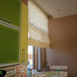 Кухня-столовая пос. Свердлова. ЛО.. Салон штор Декоратор. Кухня. Пошив и фото штор в интерьере 2016