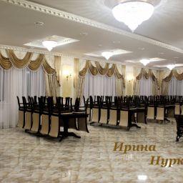 Оформление банкетного зала ресторана. Частный дизайнер по шторам Нуркиева Ирина. Пошив и фото штор в интерьере 2016