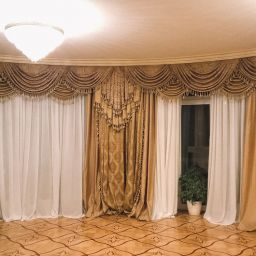 Столовая в Хлябово. Салон штор Студия ARMANDI. Гостиная. Пошив и фото штор в интерьере 2016