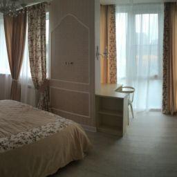 Квартира в Немчиновке. Частный дизайнер по шторам Дарья. Пошив и фото штор в интерьере 2016