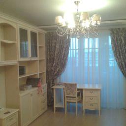 Комната девушки 15 лет. квартира на ул. Малая Жерновская.  Семенов Александр. Пошив и фото штор в интерьере 2016