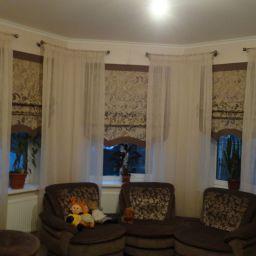 Гостиная в загородном доме.  Семенов Александр. Пошив и фото штор в интерьере 2016