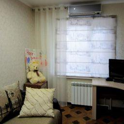 3х комнатная квартира, Сургут.. Дизайнер в салоне штор Самышкина Наталия. Детская. Пошив и фото штор в интерьере 2016
