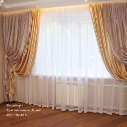 Спальня в нежных тонах.. Частный дизайнер по шторам Иванова Юлия. Спальня. Пошив и фото штор в интерьере 2016