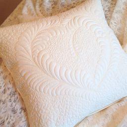 текстильные изделия в технике Trapynto. Частный дизайнер по шторам Круцько Тамара. Гостиная. Пошив и фото штор в интерьере 2016